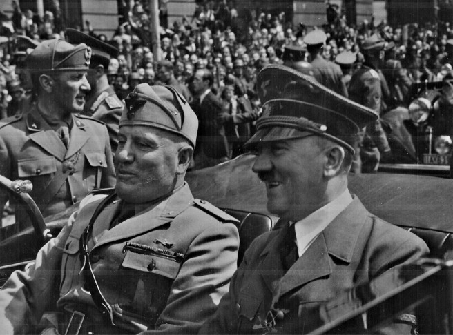 Hitler_and_Mussolini_in_Munich,_Germany,_circa_June_1940