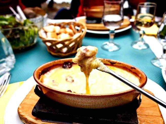 fondue_au_fromage_et_vin_blanc